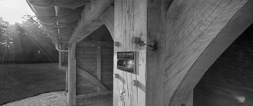our_frames_oak posts inside oak framed barn_g